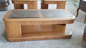 Coffee Table & 2 End Tables Set in St. Charles, Illinois