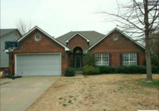 Check this beautiful 3bed 2bath with 1932 sq ft livable place property! And ready to move in!! in Oklahoma City, Oklahoma