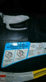 Graco Snugride 30 Rear Facing Baby Carseat in Salina, Kansas