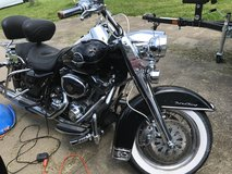 08 Harley Davidson road king classic in Fort Campbell, Kentucky
