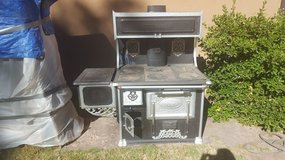 Antique Quick Meal Wood Stove in Alamogordo, New Mexico