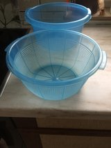 Plastic Salad Bowl with Strainer in Stuttgart, GE