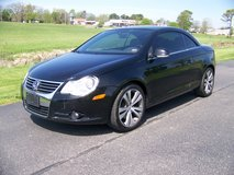 2008 VOLKSWAGEN EOS VR6 HARD TOP CONVERTIBLE in Fort Leonard Wood, Missouri