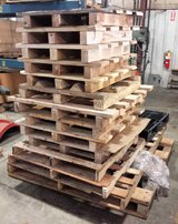 Free Wooden Pallets Skids in Sugar Grove, Illinois