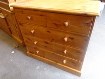 Pine chest of drawers 2over3 in Lakenheath, UK