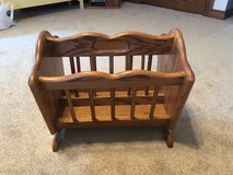 Amish crafted magazine rack in Sugar Grove, Illinois