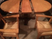 Kitchen table and 4 chairs in Yorkville, Illinois