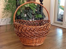 Basket, Decorative Willow Basket, Easter Basket, Willow Wicker Basket in Glendale Heights, Illinois