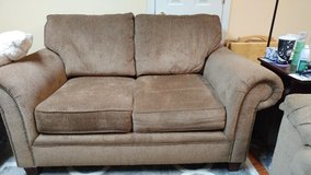 Loveseat, like new in Pleasant View, Tennessee