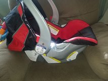 Baby Trend carseat in 29 Palms, California