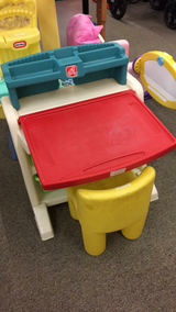 Kids Desk and Chair in Fort Leonard Wood, Missouri