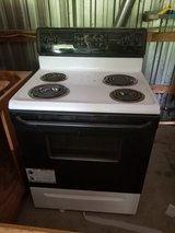 Electric Stove in Fort Leonard Wood, Missouri
