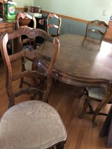Excellent Dining table in Aurora, Illinois