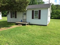 1 Bedroom House, minutes to Gate 10, NO PETS in Fort Campbell, Kentucky