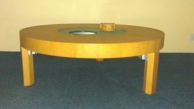 Round glass-top coffee table in Stuttgart, GE