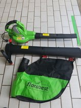 Great leaf blower and collector, like new in Stuttgart, GE