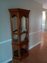 Antique Display/Storage Real wood excellent condititon in Camp Pendleton, California