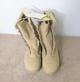 NEW - Desert Tan Army Combat Boots Intermediate Cold/Wet  Size 9 1/2 Wide - Never worn in Nashville, Tennessee