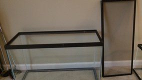 30 gallon aquarium - used for bearded dragon - includes mesh top in Yorkville, Illinois