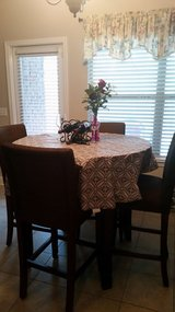 Kitchen Table Set with 4 Chairs in Eglin AFB, Florida