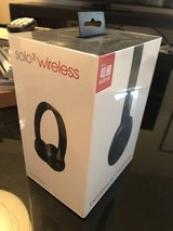Beats Solo3 Wireless - Gloss Black in Fort Irwin, California