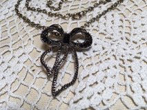 Vintage Pendant on Chain Marcasite Bow with Several Faceted Black Stones Inlaid Mint Condition in Houston, Texas