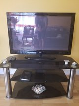 """42"""" TV + Stand in Pearl Harbor, Hawaii"""
