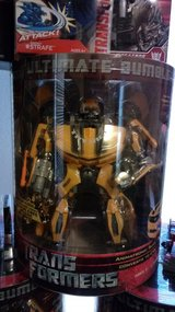 Ultimate bumblebee action figure brand new in Alamogordo, New Mexico