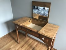 make up table & matching bench in Plainfield, Illinois