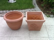 Pots - Large Plastic in Ramstein, Germany