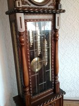 Antique carved grandma's Clock in Baumholder, GE