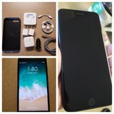 Iphone 7 plus 128 GB Carrier Unlocked w/ Accessories Like New in Lackland AFB, Texas