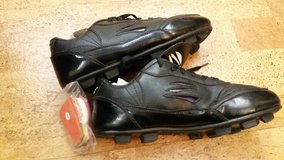 Soccer cleats 8EE youth wide in Orland Park, Illinois