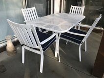 patio table and 4 chairs in Naperville, Illinois