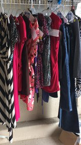 Size small maternity clotehs in Yorkville, Illinois