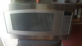 GE MICROWAVE in Macon, Georgia