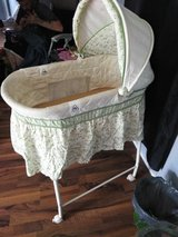 baby bassinet rocks an glides in Dothan, Alabama