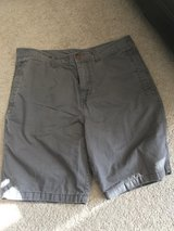 Men's Tommy Bahama shorts 36 in Plainfield, Illinois