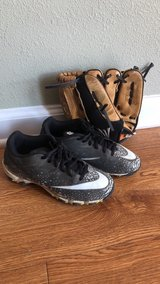 youth Nike cleats & t-ball glove in Fort Knox, Kentucky