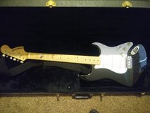 starcaster fender electric guitar w case in Fort Knox, Kentucky