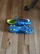 size 9 women's soccer cleats in Naperville, Illinois
