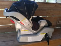 Graco Snugride 30 car seat reduced price in Fort Leonard Wood, Missouri