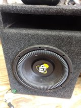 Mp AUDIO 10 inch woofer and vented box in Byron, Georgia
