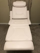 Massage Table/Chair in Fort Leonard Wood, Missouri