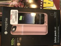 Mophie juice pac air 33 % battery life protective Caserose gold iPh0ne 7 plus in Beaufort, South Carolina