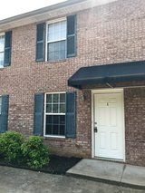 2 Bed 1.5 Bath Townhouse Near Madison Street! in Clarksville, Tennessee