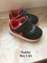 Toddler boy shoes in Baumholder, GE