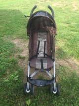 Grace stroller 5 point harness lightweight folds down best stroller ever in Fort Leonard Wood, Missouri
