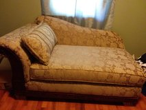 Price Reduction. Chaise in Fort Leavenworth, Kansas