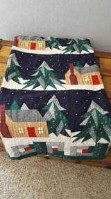 Xmas quilt, 5ft.x4ft. in Wright-Patterson AFB, Ohio